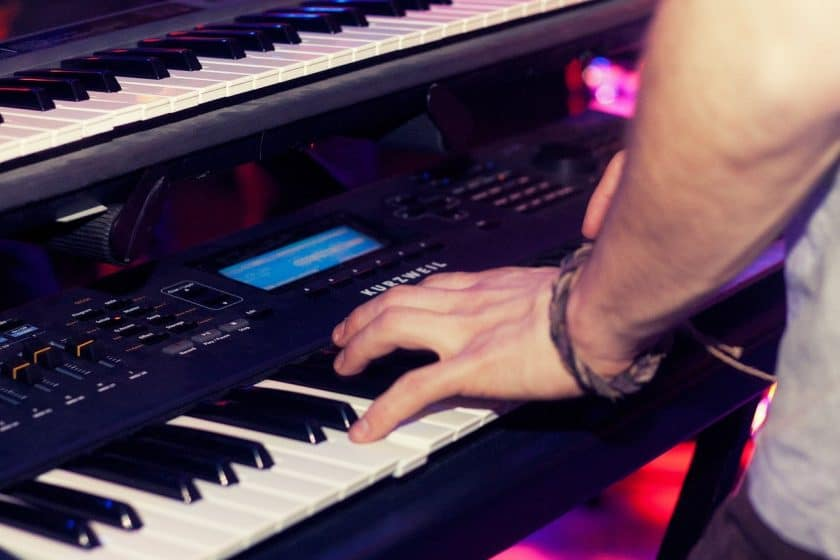 Does learning piano help you sing?