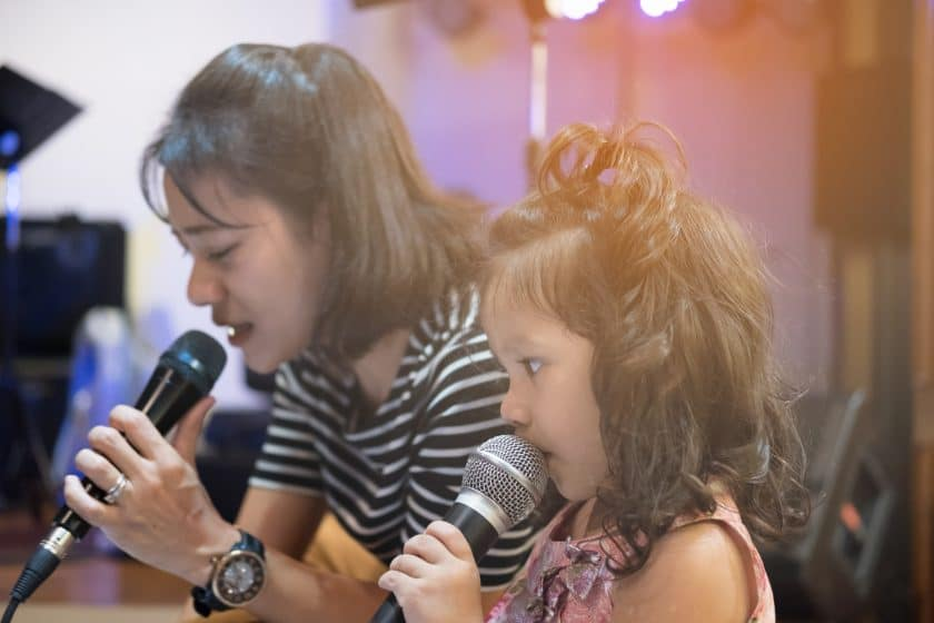 Learn how to sing in tune (for beginners and improvers)