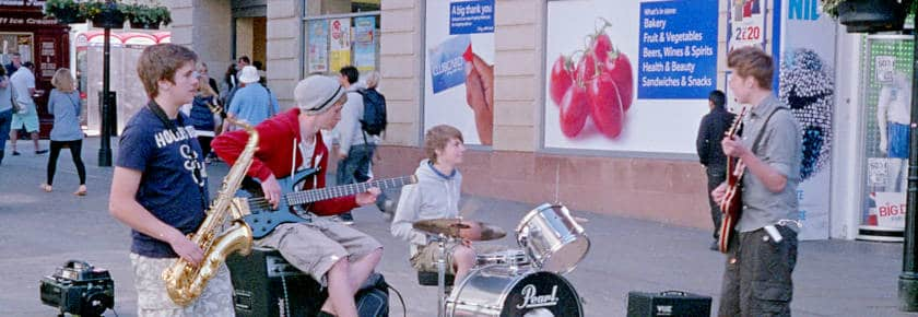 Buskers chatting