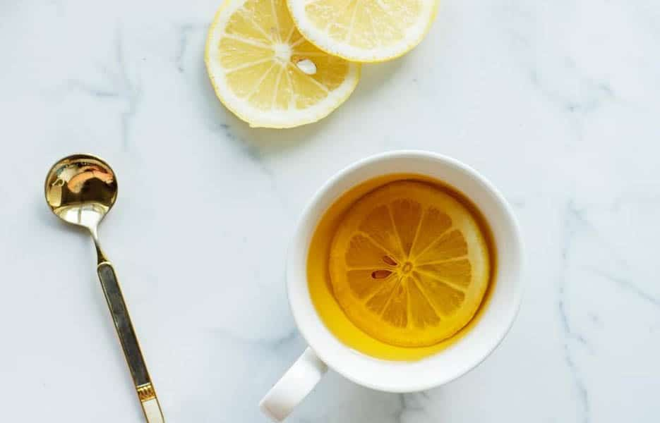 Lemon and water good drinks for singers