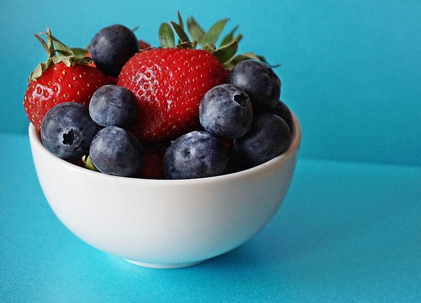 good foods to eat before singing berries