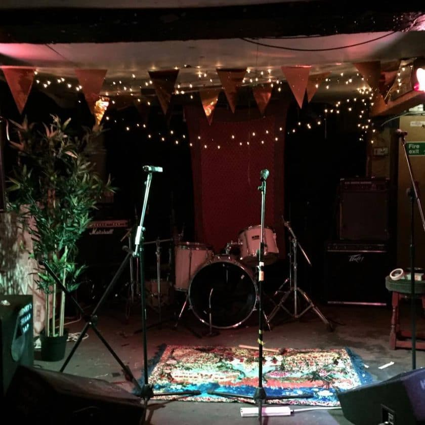 Open Mic Night Edinburgh Henrys Cellar Bar
