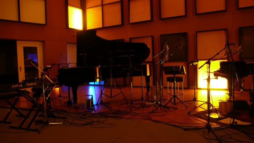 Is it important to have a live room at a recording studio?