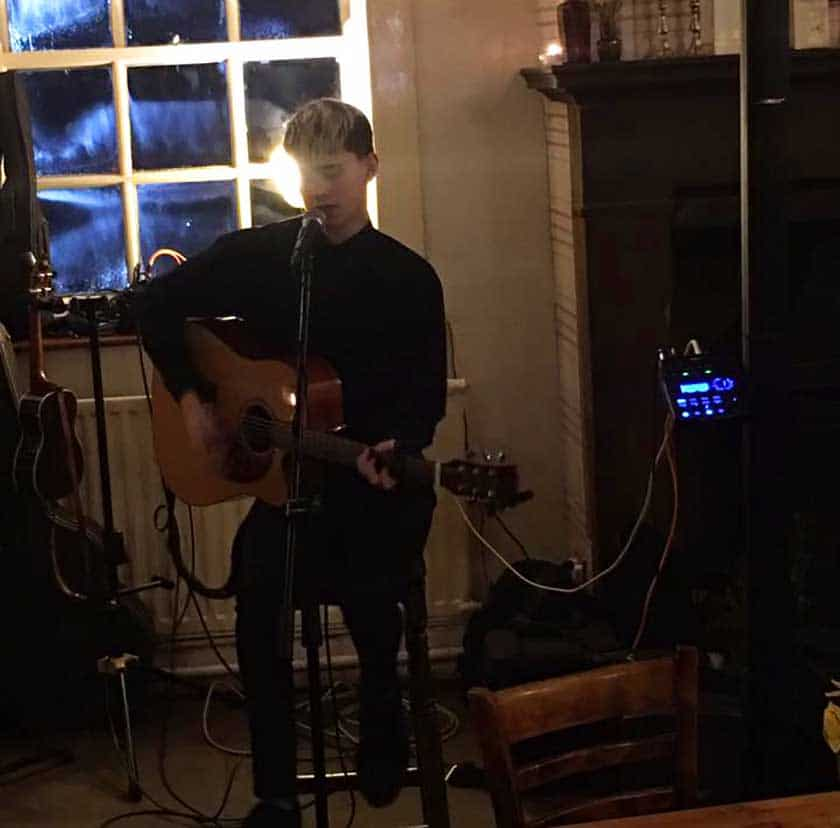 Shoulder of Mutton: Head up the Hill Open Mic Night