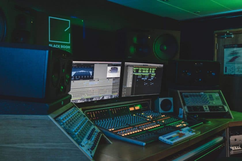 Finding the right music producers in Southampton