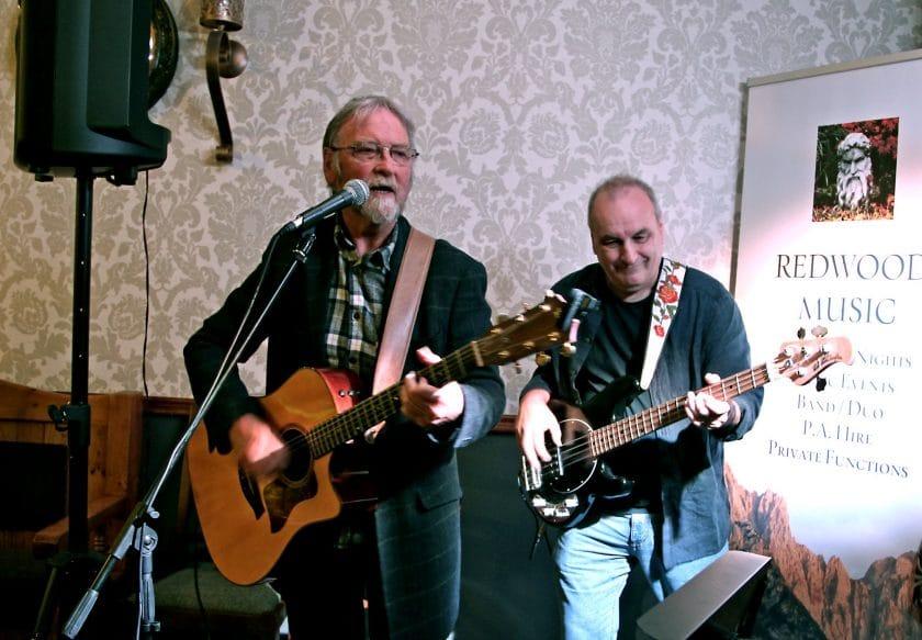 New Broom Inn: Redwood Music Open Mic Night