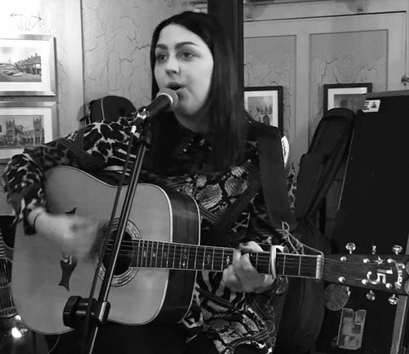 The Green Dragon: In the Round Open Mic