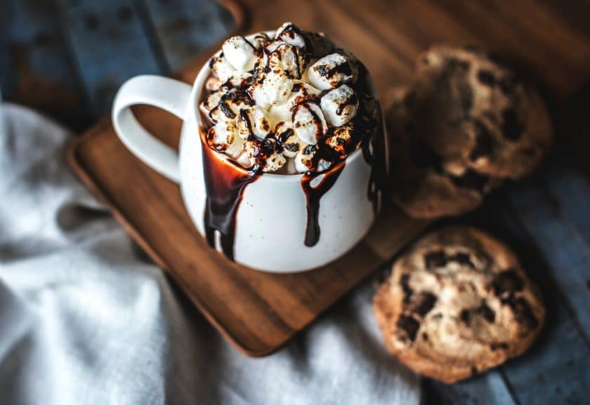 Is drinking hot chocolate good for singers