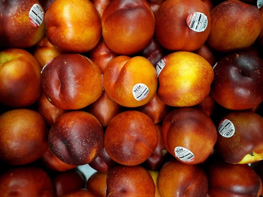 Are peaches bad for your singing voice