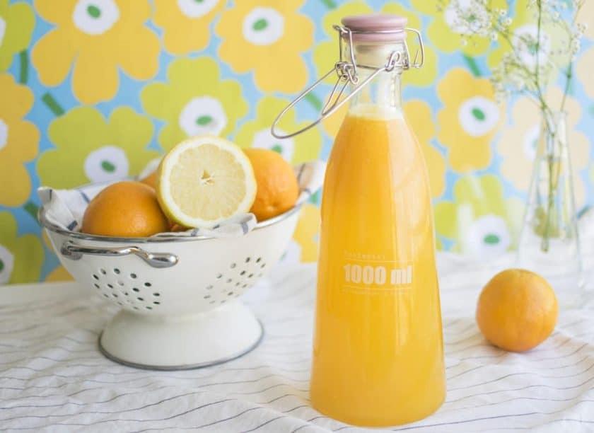 Does lemon help your vocal cords?