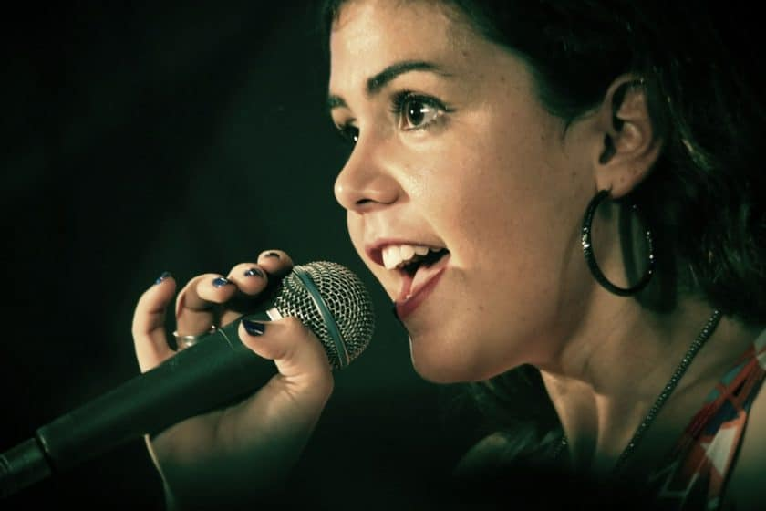 How to get a good singing voice without lessons
