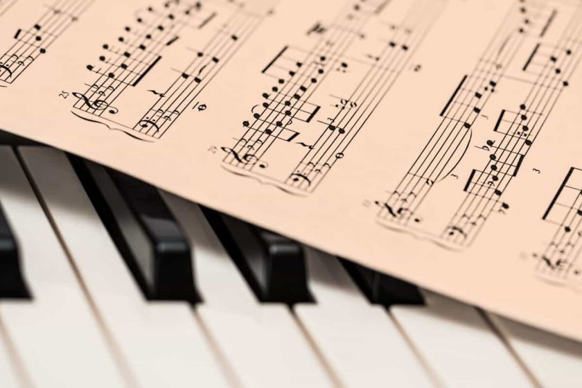 Top tips to sing and play the piano together