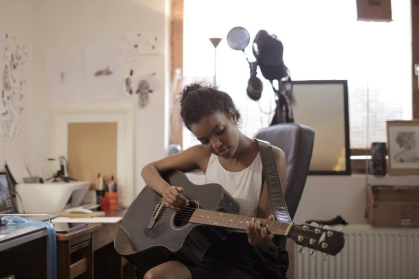 How singers can make money from home