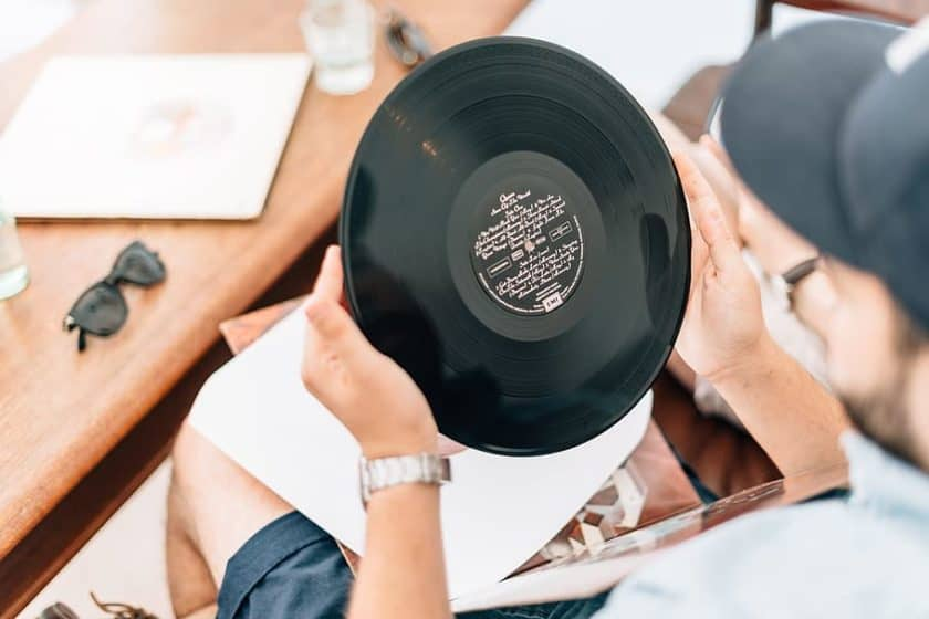 What is a Recording Contract in Music?